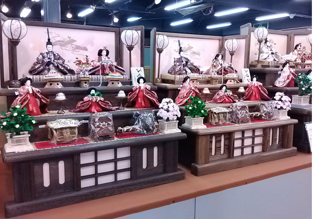 人形のまち岩槻 小木人形  雛人形 焼桐、焼杉三段飾り