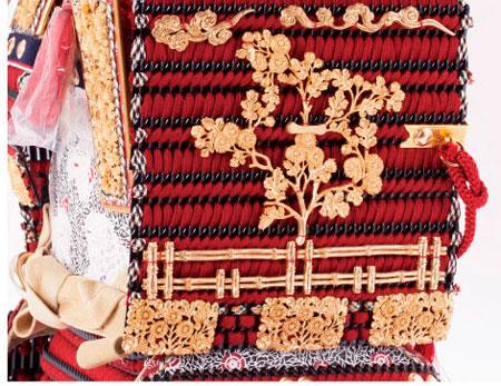 青森 櫛引八幡宮所蔵 国宝 菊一文字金物赤糸威大鎧