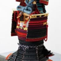 五月人形 上杉神社蔵 重要文化財 色々威腹巻具足(上杉謙信公・飯綱権現前立て)模写鎧 焼桐板屏風飾り