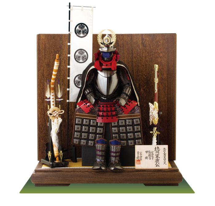 五月人形 徳川家康公 南蛮具足模写 焼桐板屏風平台飾り