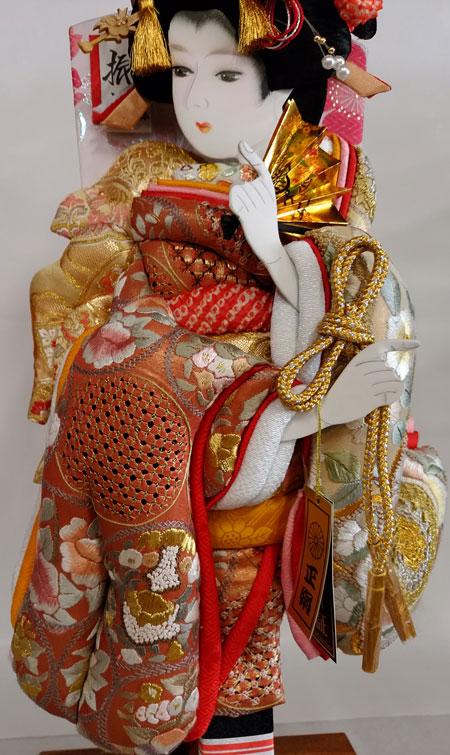 お子さまの初正月祝 女児には羽子板飾りを贈ります。 羽子板 汕頭刺繍