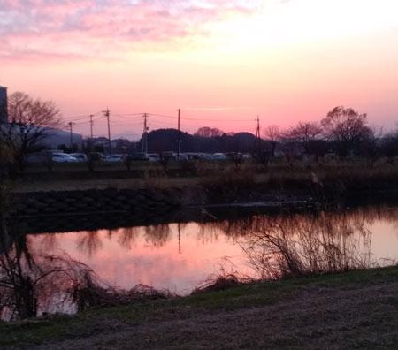 冬至ごろの夕方の景色 岩槻工業団地内