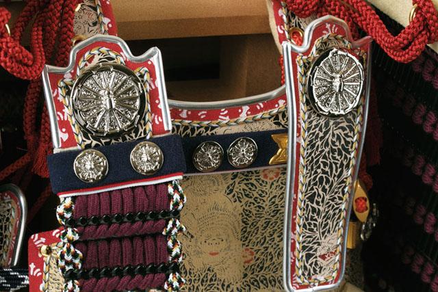 五月人形 愛媛 大山祇神社所蔵 国宝 紫糸威大鎧模写  四分之一 鎧飾り